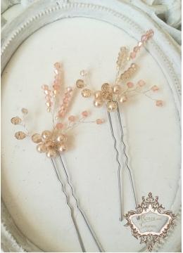 Дизайнерски фуркети за украса на абитуриентска прическа с кристали Сваровски в розово и екрю модел Roses and Ecru Blossom by Rosie