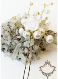 Дизайнерска украса за сватбена прическа с фуркети 3 броя модел White Roses and Pearls by Rosie