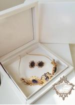 Официална корона за коса в златно и лилаво и обици в луксозна кутиуя Hermitage Gold Amethyst