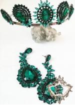 Уникален дизайнерски комплект Тиара и обици с тъмно зелени кристали Emerald Rose by Atelier Roses and Crystals
