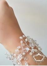 Гривна за булка с кристали Сваровски и мъниста Прециоза модел Little White Flowers by Rosie