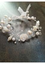 Дизайнерска Гривна за булка с бели перли и кристали Сваровски White Roses by Rosie