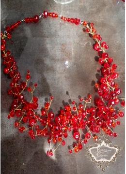 Дизайнерско колие от червени сваровски кристали серия Red Queen by Rosie Concept