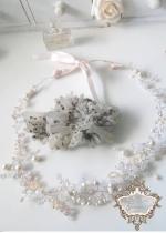 Дизайнерска булчинска диадема в с перли и кристали цвят шампанско и праскова French Rose