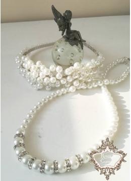 Нежен комплект булчинска диадема за коса и колие с перли и кристали White perfection