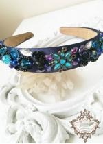 Ежедневно - официална диадема от сатен с кристали D G тъмно сино