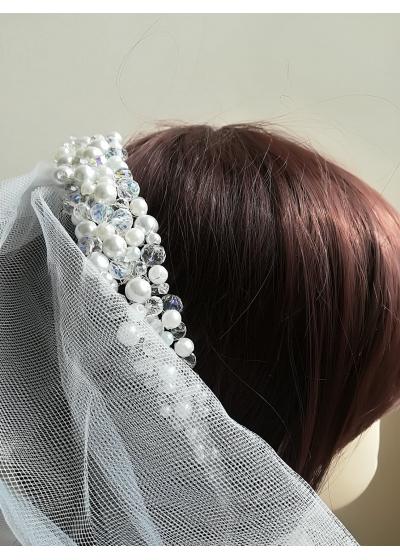 Дизайнерска булчинска диадема с кристали и перли Сваровски модел Bright White Bride by Rosie
