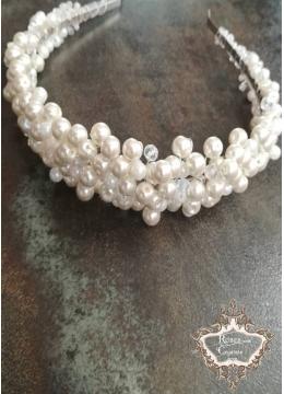 Елегантна булчинска дизайнерска диадема перли и кристали в цвят слонова кост Perfect Ivory