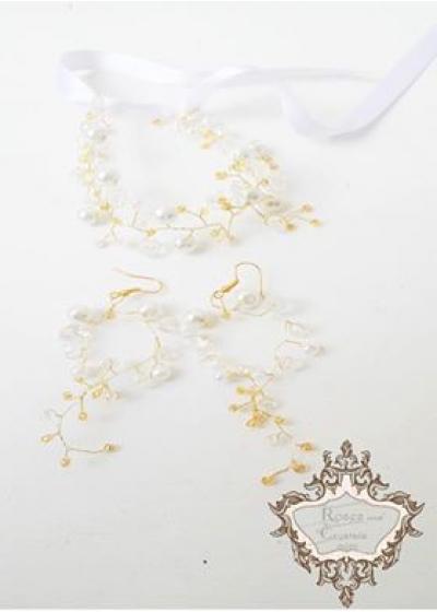 Комплект дизайнерски гривна и обици с перли и кристали за булка Gold in Snow Magic