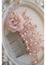 Дизайнерски гребен Сваровски кристали и роза сатен в нежно розово Rose Touch by Atelier Roses and Crystals