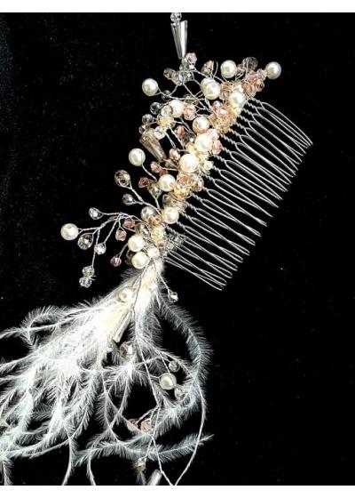 Нежен кристален гребен - украса за коса в цвят светла праскова и слонова кост с пера модел Champagne Sparks by Rosie