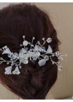 Нежно сватбено гребенче - украса за коса с Кристали Сваровски модел Lilly of the Valley mini Цвят бяло
