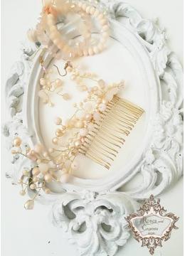 Комплект гребен- украса за коса, обици и гривни в цвят праскова Garden Blush