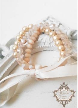 Елегантен комплект гривни от Сваровски кристали и стъклени перли в цвят праскова